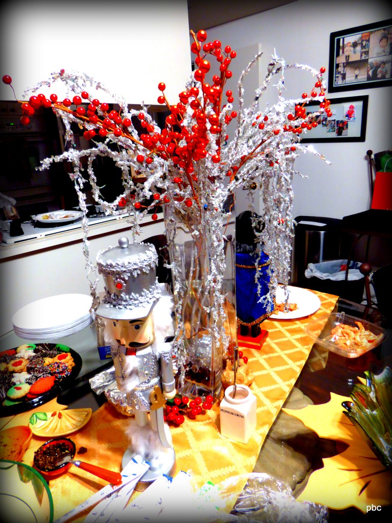 silver table decoration