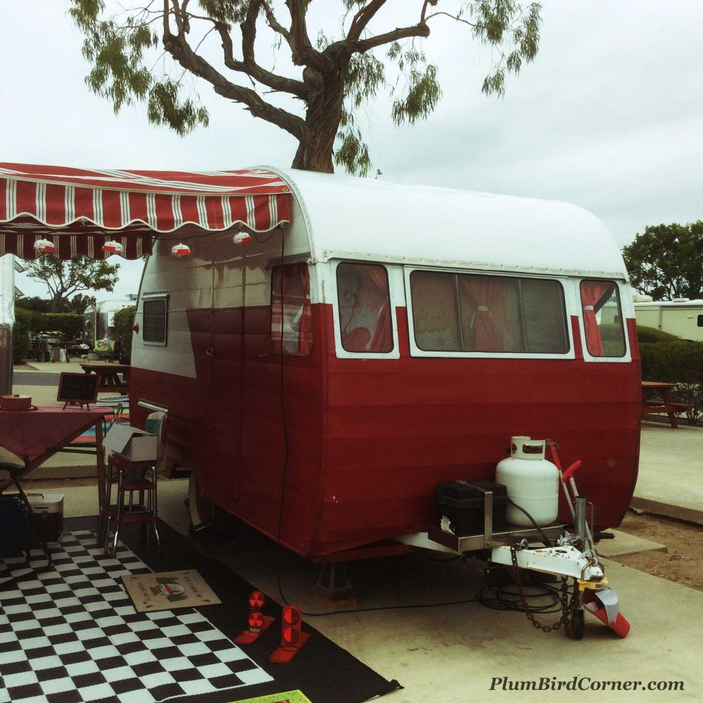 Red-and-White-Retrol-trailer