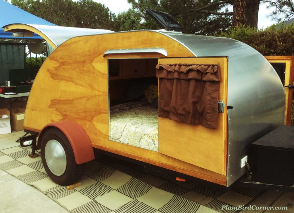 Wooden-Tear-Drop-Trailer